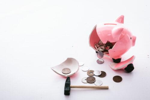 img_貯金箱とお金